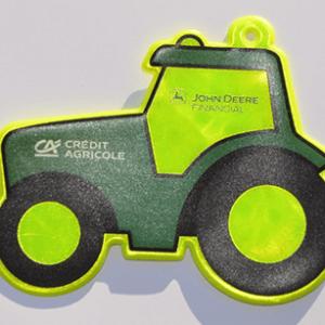 Przykładowa realizacja miękkiej zawieszki odblaskowej w kształcie traktora
